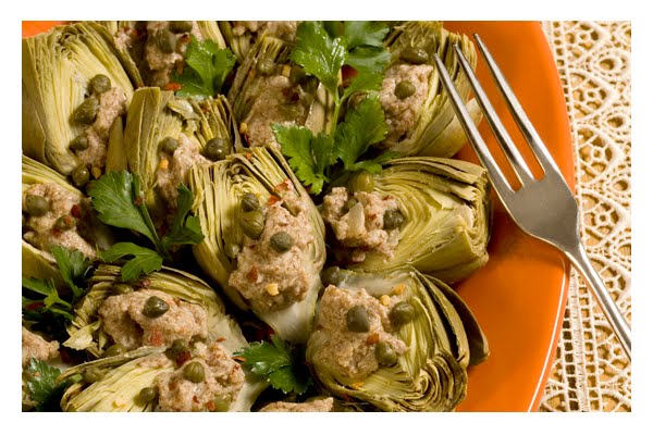 eating-artichokes