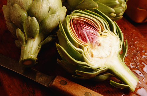 preparing-artichoke